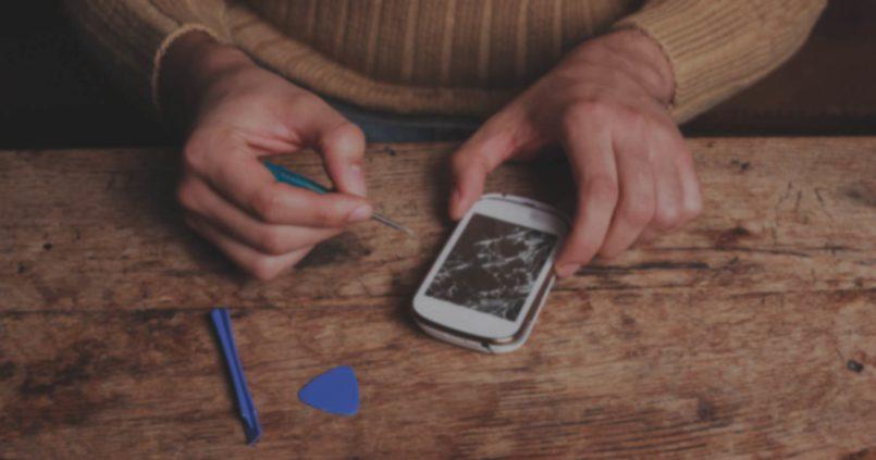 Pourquoi faut-il laisser un professionnel réparer votre smartphone : mon avis