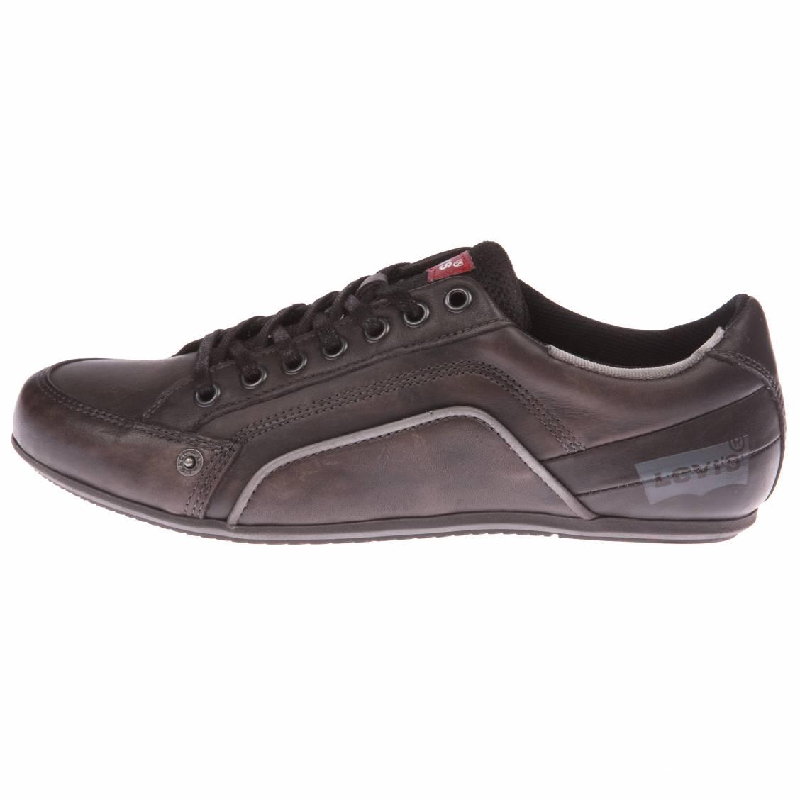 Achat Chaussures Homme à prix discount Vous cherchez des chaussures homme pas cher? C'est sans doute pour vous un choix important: vos nouvelles chaussures doivent correspondre à votre style tout en étant confortables et résistantes.